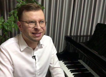Василь Чернявський у спецпроекті STARBOM до 8 Березня