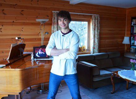 Александр Рыбак показал как проводит время на карантине в Осло