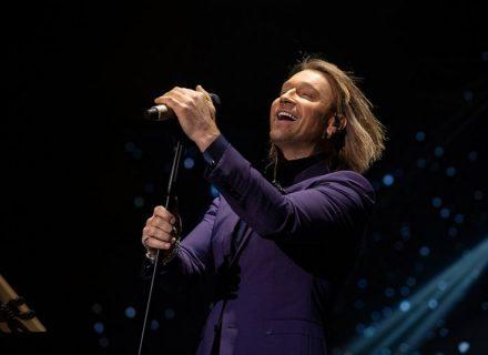 Олег Винник исполнил хит Поляковой в стиле тяжелого рока
