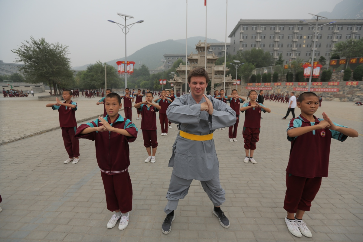 Дмитро Комаров в Китаї