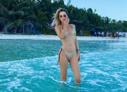Светлана Лобода в золотом бикини позирует на берегу океана