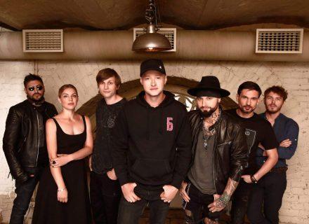 Лідер «Бумбокс» розповів, як написав пісню «Вахтерам», за яку гурт отримав відзнаку «YUNA: 20 за 20»