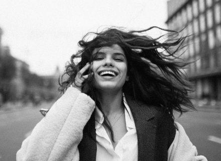 Michelle Andrade в новой песне призывает каждого гордиться собой