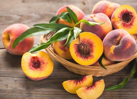 Бархатная кожа и стройная талия: о пользе персика от Юлии Панковой