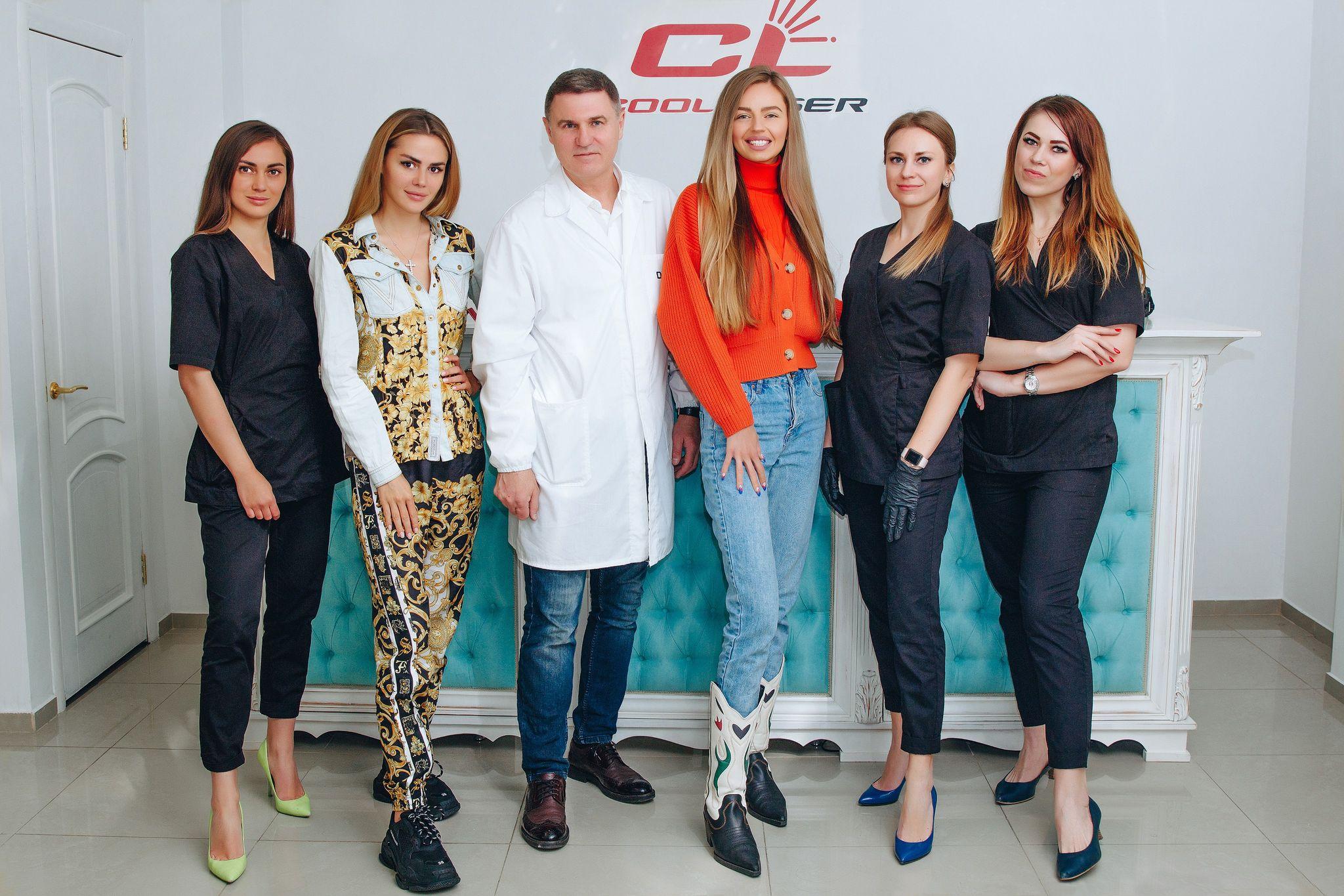 На фото:  Алексей Борсало, певица Яна Брилицкая, блоггер Катерина Рамос