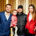 Євгеній Янович та Ярмак з дружиною Анною та донькою